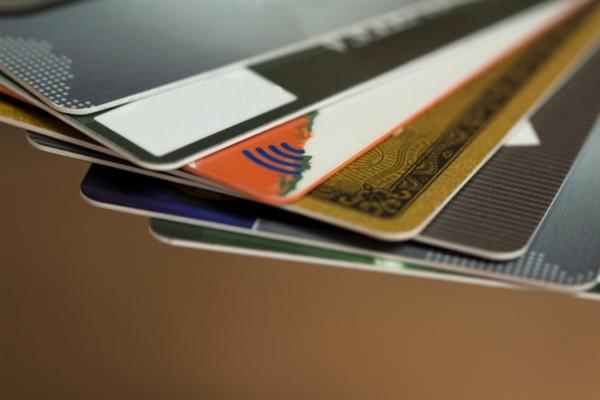 現金化でクレジットカードが不正利用された事例