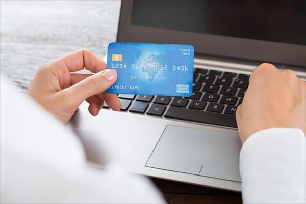 クレジットカードのショッピング枠を現金化してお金を作る
